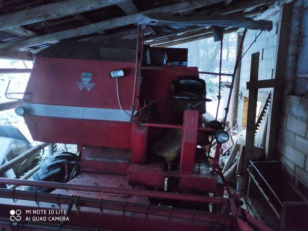 Kombajn zbożowy Massey Ferguson 186 MF 186