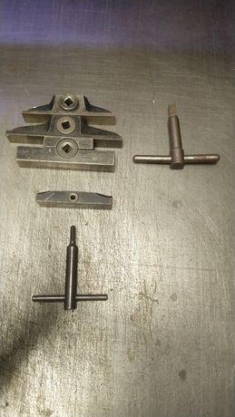 Zamki i klucze typograficzne
