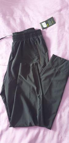 Męskie spodnie Nike rozm. L