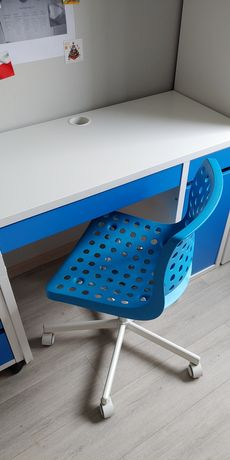 Biurko Ikea Micke biało niebieskie