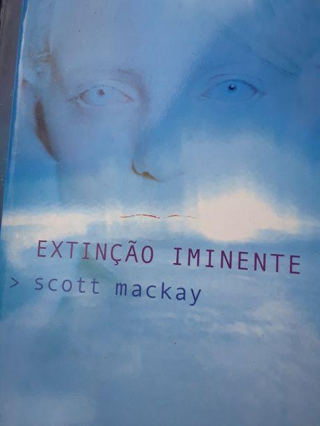 Extincao Iminente / Scott Mackay