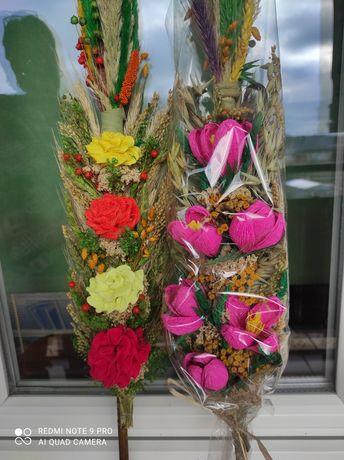 Palmy wielkanocne z kwiatami z krepiny