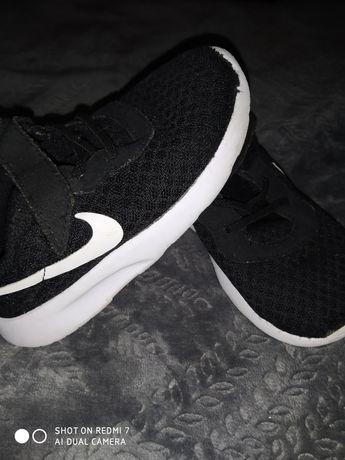 Кросовки кросівки nike 25