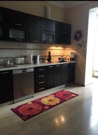 V Двухкомнатная квартира с просторной кухней на Фонтане с ремонтом.