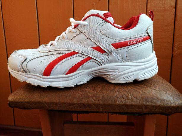 Жіночі кросівки Bonote