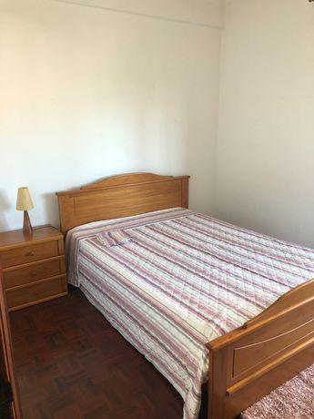 Arrenda-se quarto individual mobilado com despesas em Coimbra ( Celas)