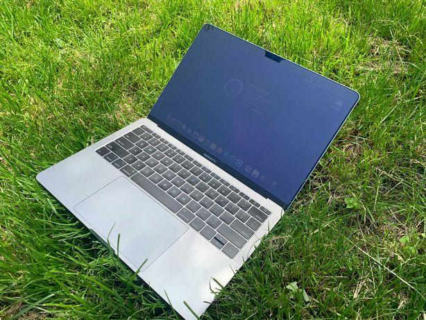 Продам личный MacBook Pro 13' 2017 i5 8Gb 128Gb MPXQ2
