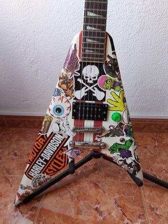 Guitarra Flying V - Harley Benton