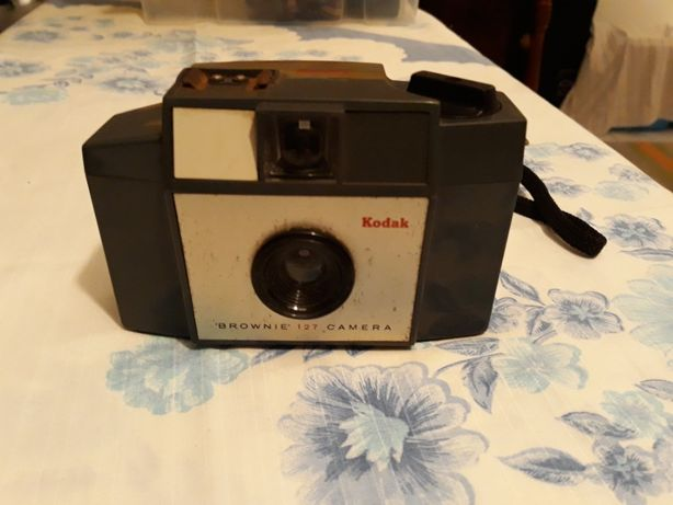 Máquina fotográfica kodak brownie 127
