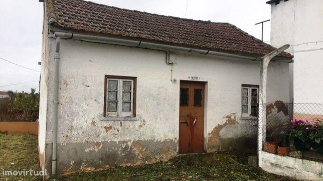 Casa de Habitação p/ recuperar -CH2041/18