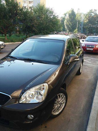 От хозяина . Продам Kia Carens 2011 в отличном состоянии.