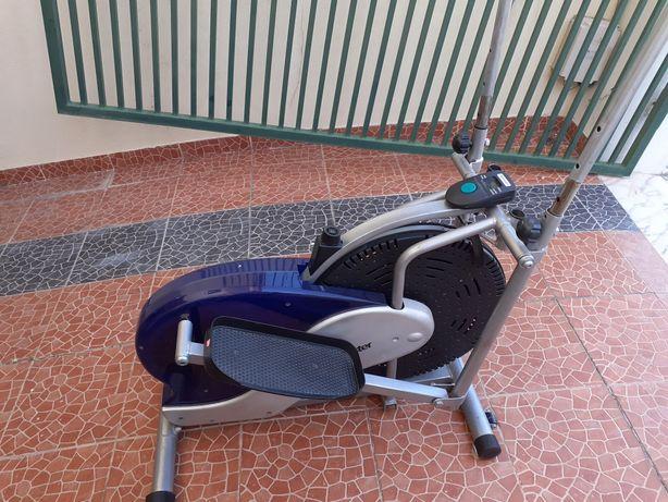 Bicicleta eliptica para desocupar espaço