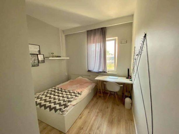 Pokój w mieszkaniu trzypokojowym