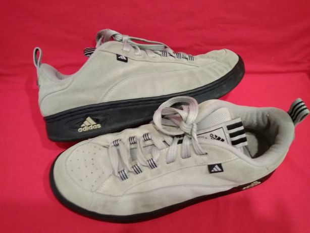 Кроссовки Adidas замша 48 размер