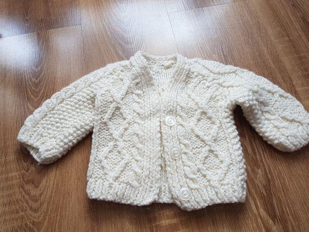 Ręcznie robiony sweterek z wełny r.74