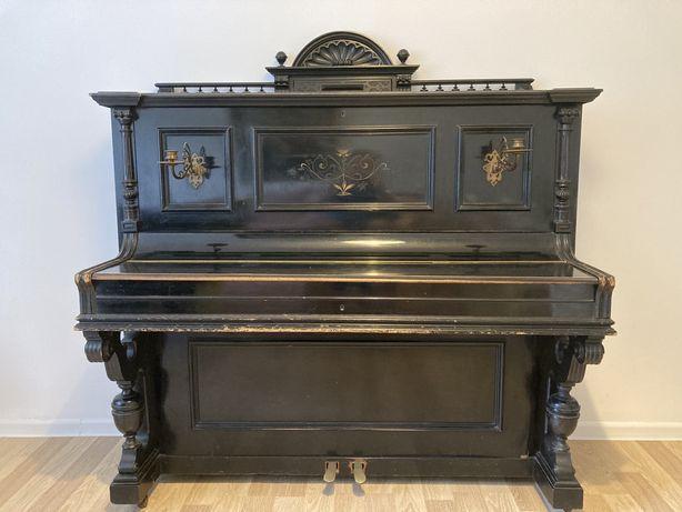 Pianino antyk Wolkenhauer