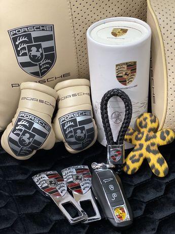 Подушка на подголовник с логотипом, накладки на ремень, подушка-плед