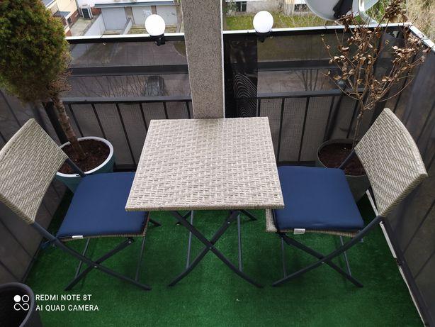 Stolik składany z krzesłami