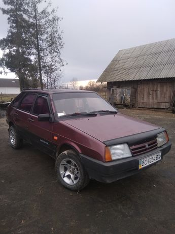 продам машину ВАЗ 2109 в хорошому стані