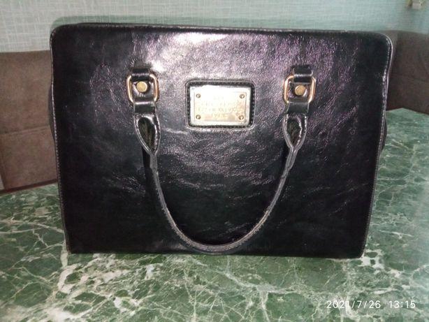 Продам сумку, цвет черный.