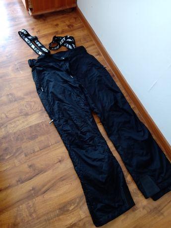 Spodnie narciarskie. AST czarne rozmiar 176 (L)