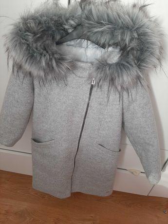 Piękny płaszcz dla dziewczynki