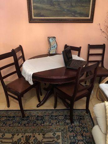 Mesa de jantar + Cadeiras + Carpete