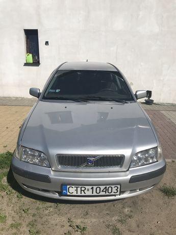 Volvo v40 2001r 1.9 115km