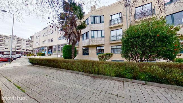 Apartamento T2+1 ao Monte dos Burgos - Senhora da Hora.