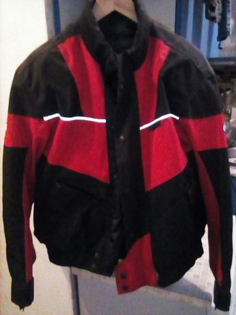Продам мото куртку