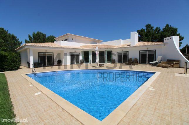 Bonita moradia T5 com piscina e jardim em Vale da Telha, Aljezur