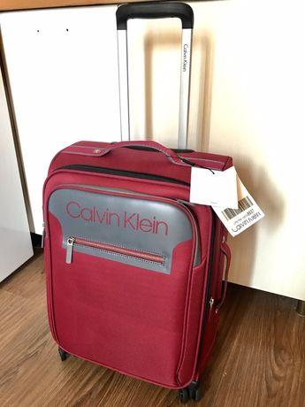 Багаж валіза чемодан на колесиках туристический Calvin Klein маленький