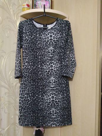 Продам платье  размер 42