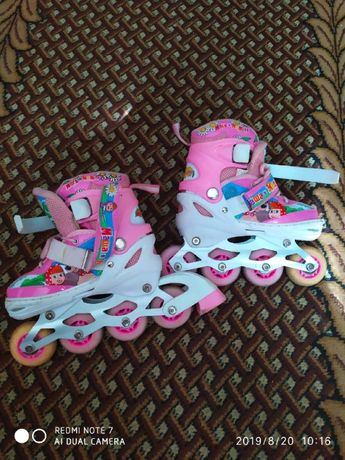 Красивые детские роликовые коньки