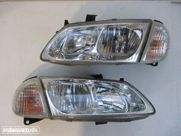 Farol Optica Nissan Almera 2001 Direito