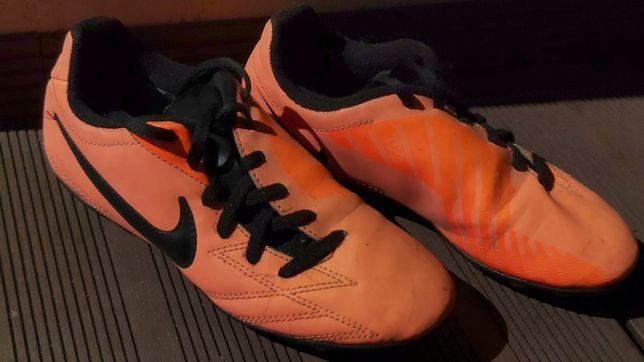 Korki Nike r. 34