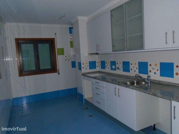 Apartamento T3 C/ Garagem Ind. Arrendamento Alagoas Esgue...