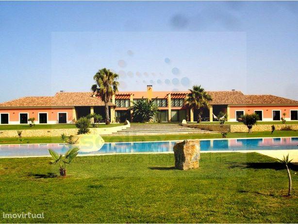 Fantástica Quinta para arrendamento em Cabanas