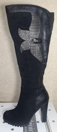 Продам женские кожаные сапоги