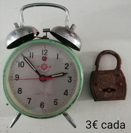 Despertador, cadeado, bengala, grosas, fechaduras e ferrolhos