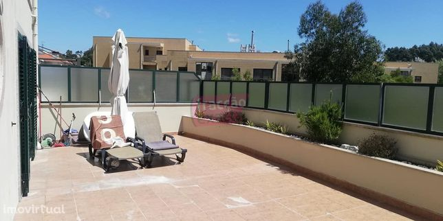 Andar de Moradia T3 c/3 suites, terraço e box 3 carros, Francelos