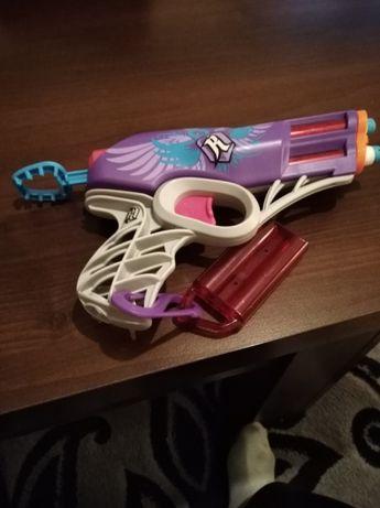 Pistolet Nerw Rebell