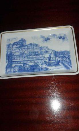Prato/Cinzeiro Vista Alegre -Azul, com a Cidade de Lisboa / Tejo- Novo