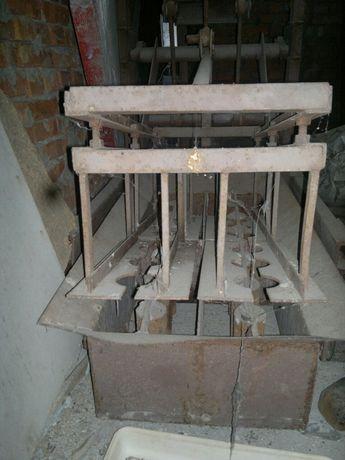 Прес для изготовления шлакоблоков