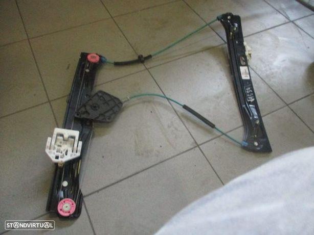 Elevador sem motor 724256108 BMW / F20 / 2014 / FE /