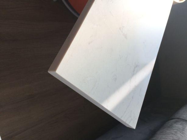 parapet, konglomerat Carrara, biały