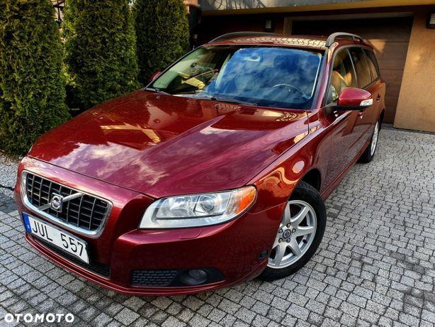 Volvo V70 VOLVO V70 2.0 145 BENZYNA momentum XENON skóra SERWIS...