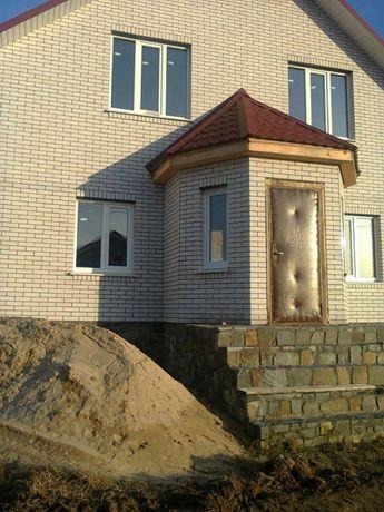 Продається недобудований будинок з гаражем та літньою кухнею...