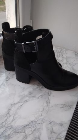 Продам ботинки Bershka 38 р