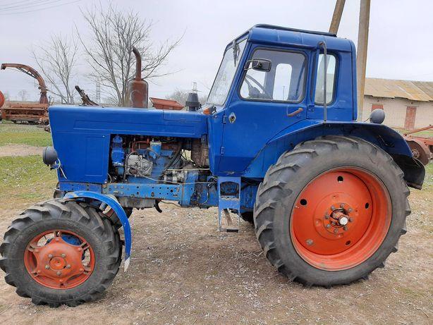 Трактор МТЗ-82 .